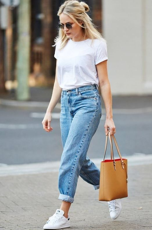 boyfriend jeans with white tee